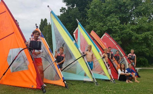 Szörfös csapat Tihanyban